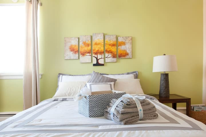 3-Br Apartment, Beautiful View, Jacuzzi, Wi-Fi - Chicago - Wohnung