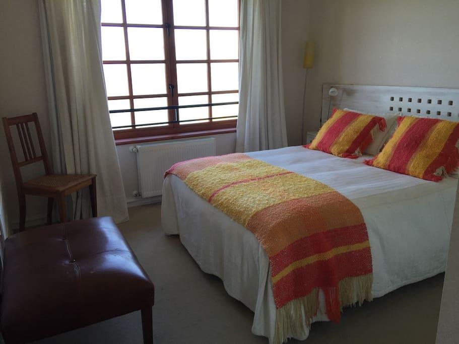 Dormitorio principal  (baño en suite)