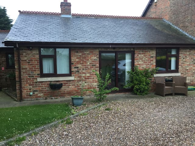 Self-contained Bungalow, Sherburn-in-Elmet
