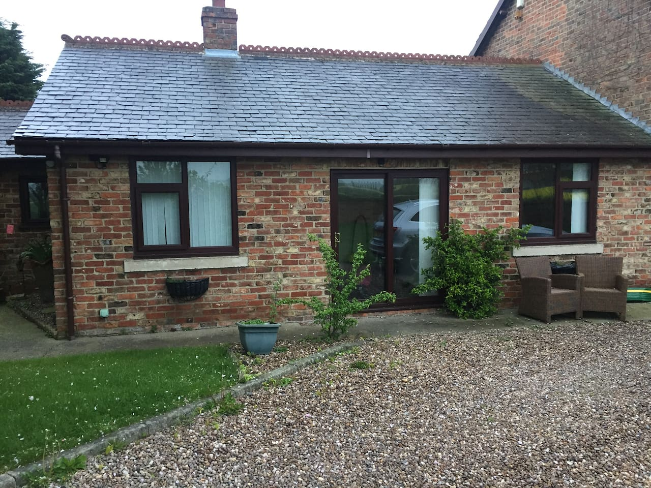 Self contained Bungalow with stunning views across fields