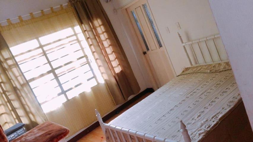 Habitación privada- comparte otros espacios. Cali