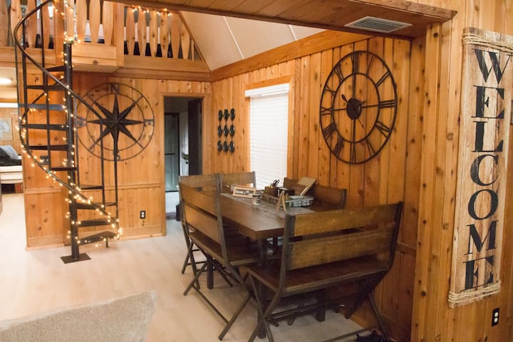 Cozy Cottage in Clermont - Close to Disney and NTC