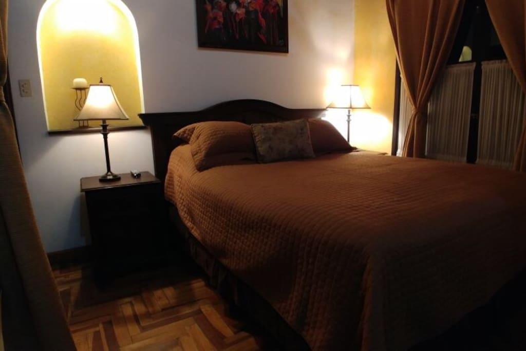 Main room / habitacion principal