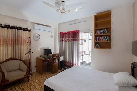 Office Executive's Comfy stay in the City Center