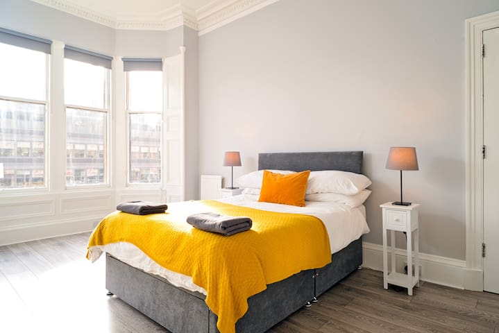 ★ Spacious & Central Room ★ Edinburgh Residence R4