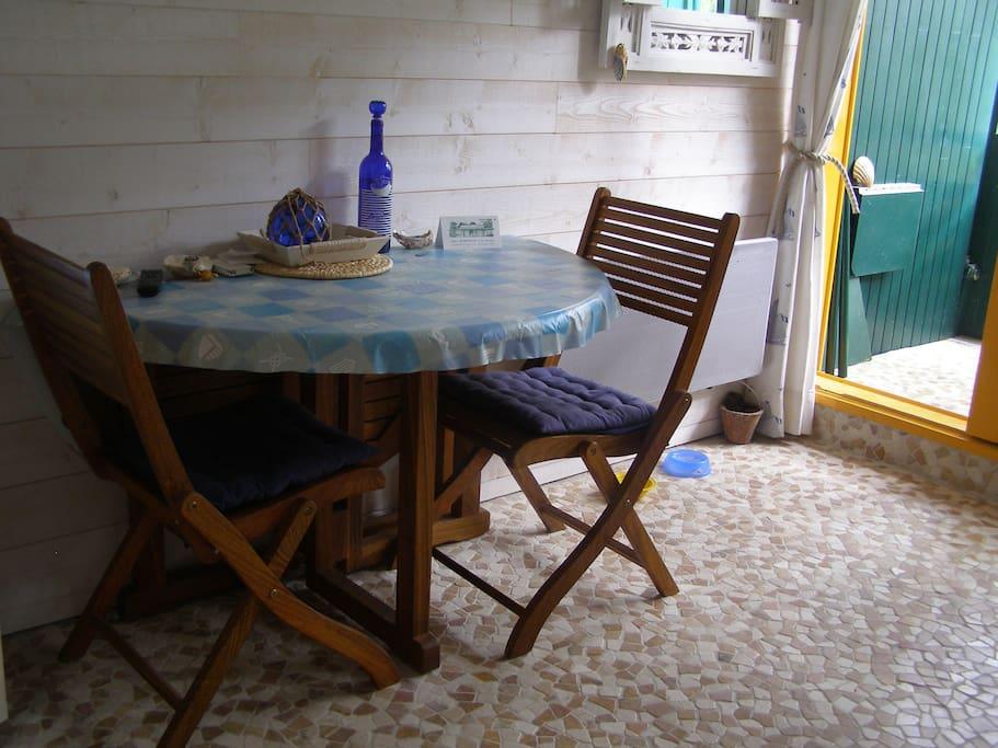 La pièce à vivre côté balcon