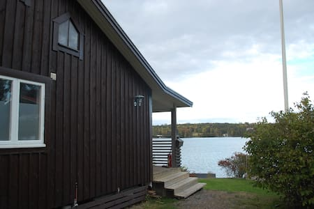 Lovely cottage at lake Sommen near Golf Course - Tranås - Chalet