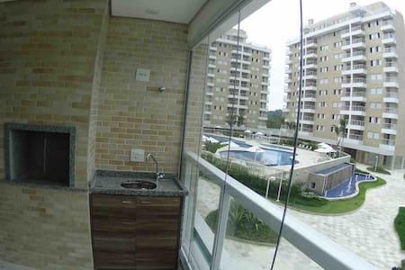 Apartamento Lindo e Novo em Condomínio