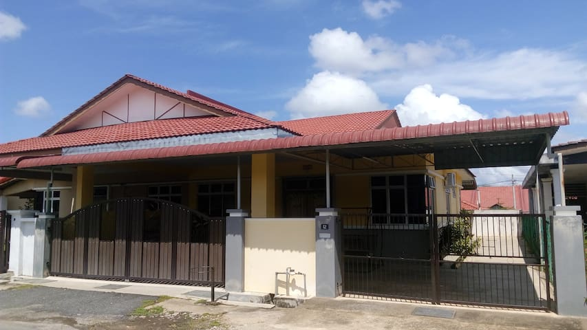 A semi detached house in Jerantut w/ pick up
