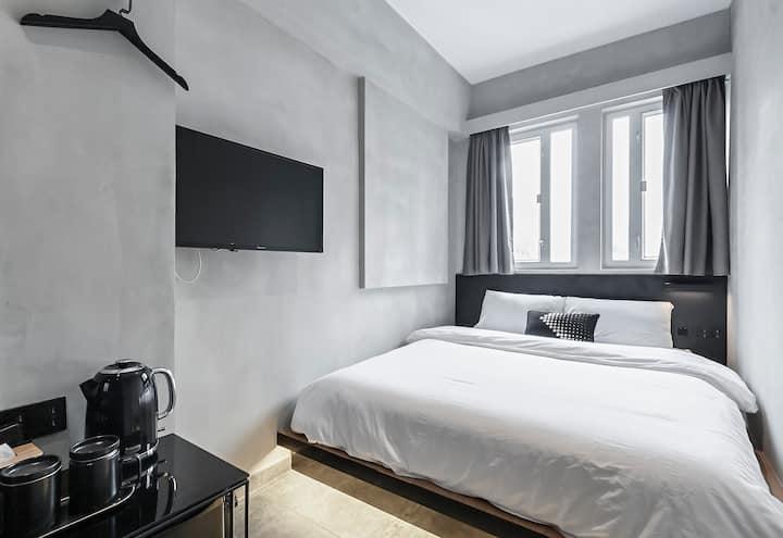5 Cozy Room 1 min MTR 西九高铁/地铁/机铁 双人独立卫浴公寓