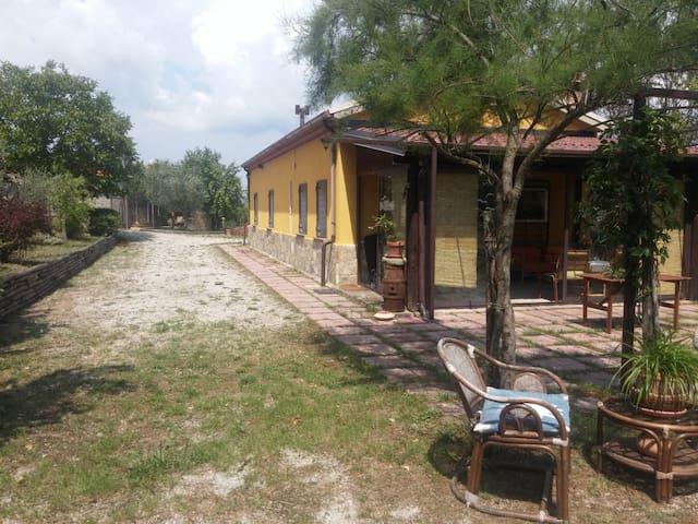 """Villa """"Piccola Quercia """" Castelmezzano"""