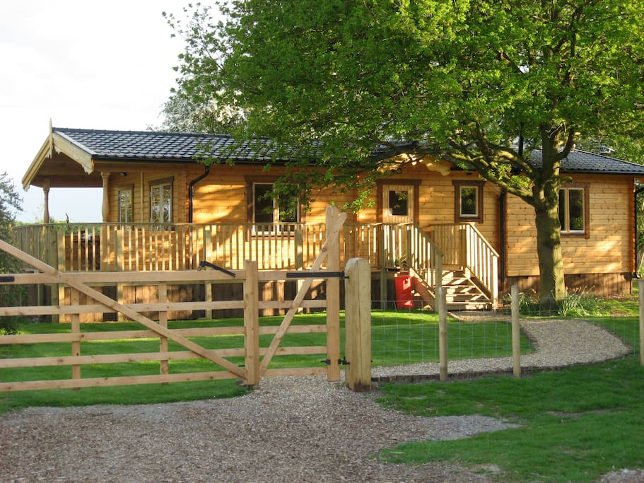 Orchard Lodge Exclusive Log Cabin York Cabins For Rent