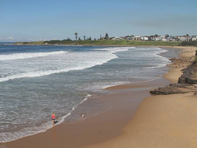 ABSOLUTE BEACH FRONT - THIRROUL BEACH (NSW)