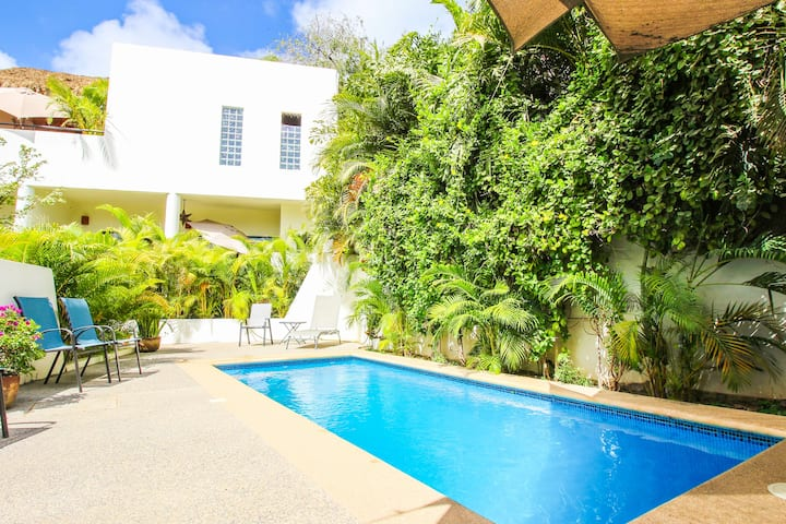 ✨PRIVATE Boutique Casita w/ Pool | 7 min to Beach✨
