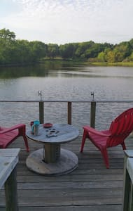 Charming waterfront tiny house - Wills Point - Дом