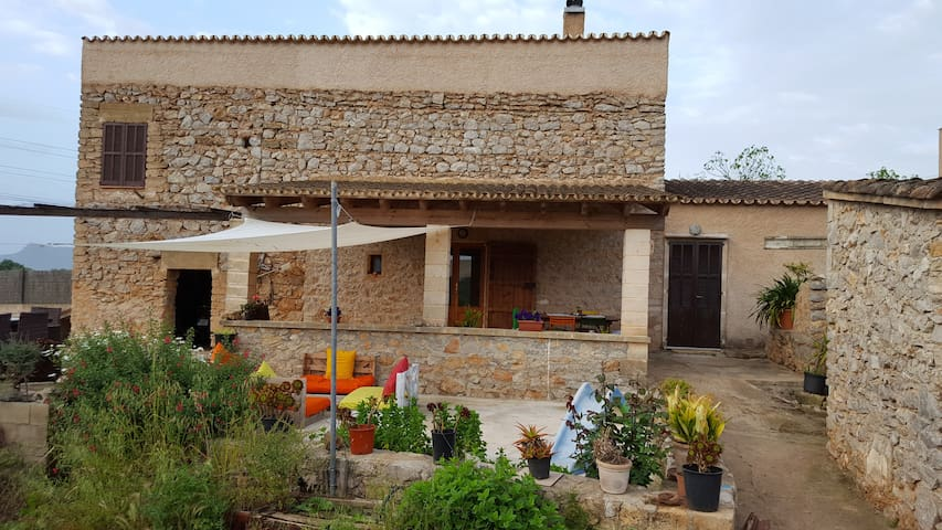 Country House 2 km from Arta.