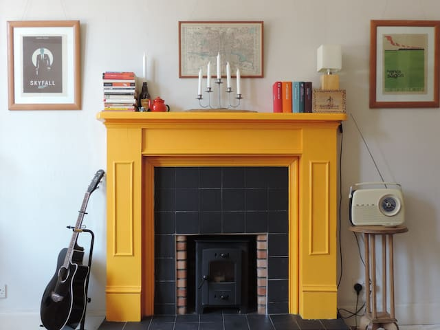 The Flat with the Yellow Fireplace - Glasgow - Wohnung