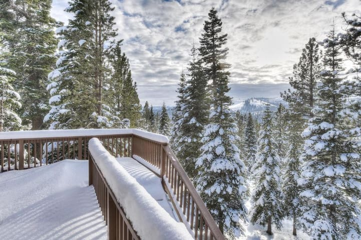 Tahoe Donner Home w/ Views
