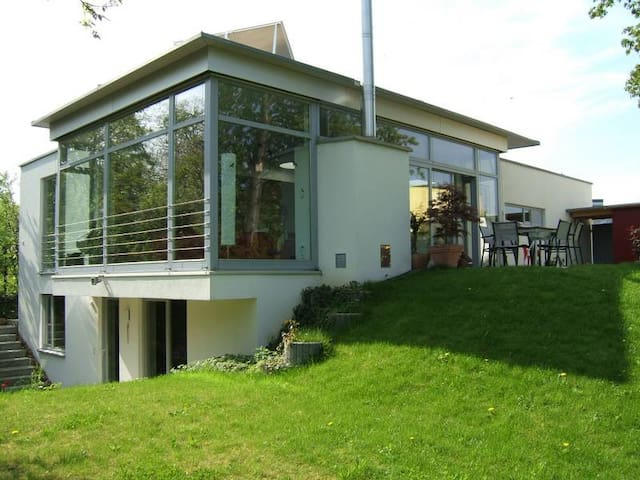 Stunning house with pool/subway to Stuttgart &fair - Ludwigsburg - Huis