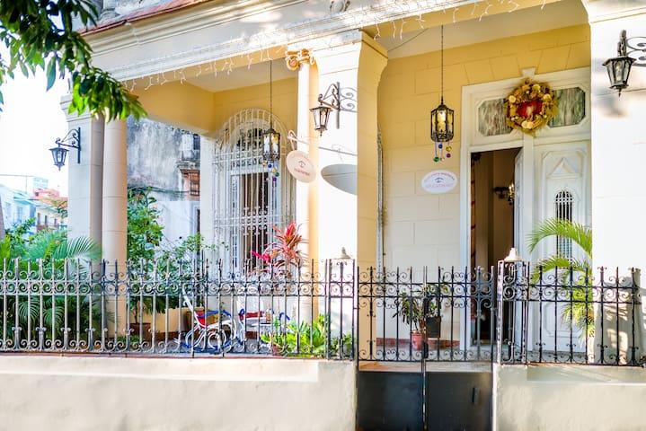 HABANA ROOM/ Villa Costa Habanera