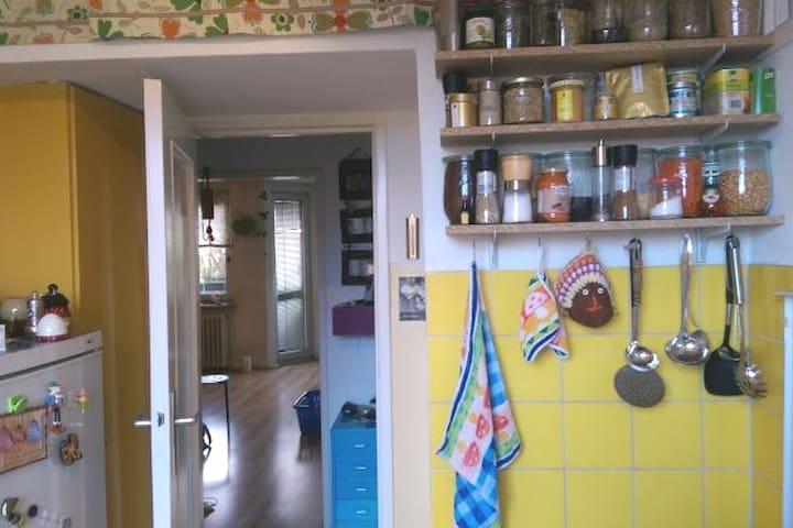Super-gemütliche Wohnung mitten im Kiez