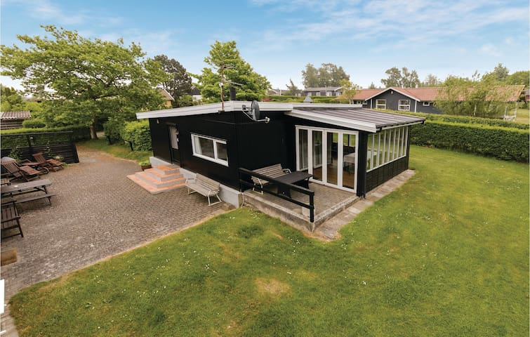 Holiday cottage with 2 bedrooms on 60m² in Allinge