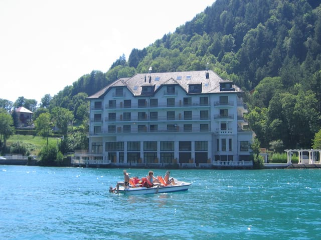 Lakeside apartment with spectacular views - Duingt - Byt