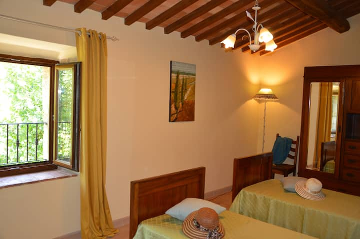 TUSCAN FARM HOUSE NEAR MONTEPULCIANO VAL D'ORCIA