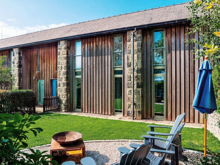 Lathkill Barn - Luxury getaway  near Bakewell