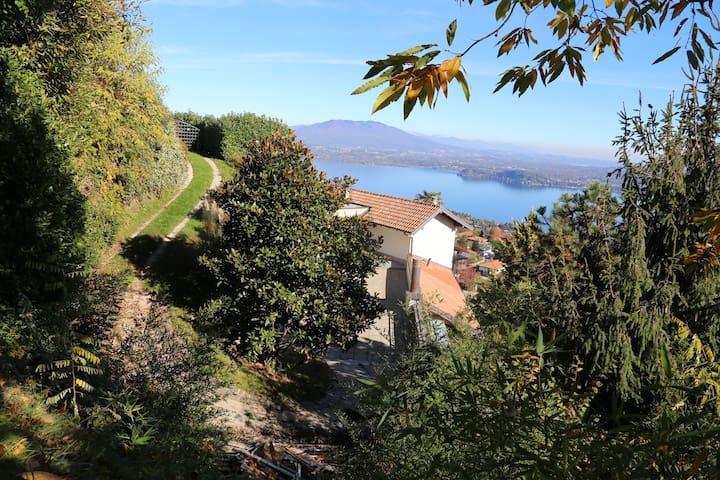 Casa con vista  panoramica a Massino Visconti