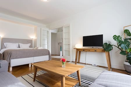 Cozy apartment w/ terrace in center