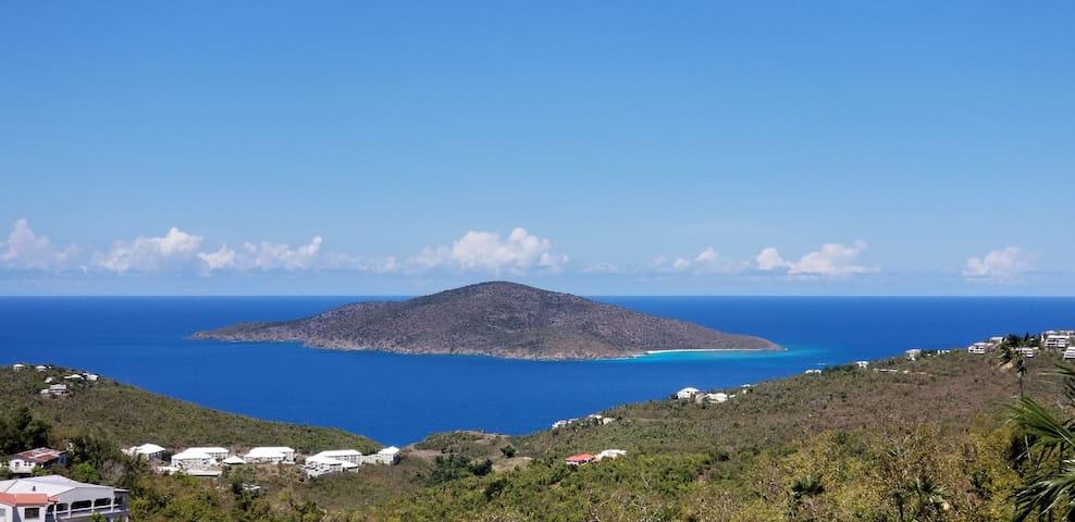 Oceanstar Hideaway - Ocean view, stars, relaxation