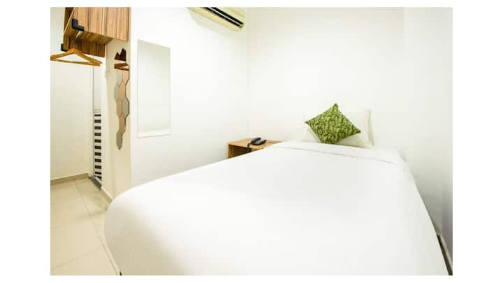 Hotel Room at Imbi Times Square Min 7 nights
