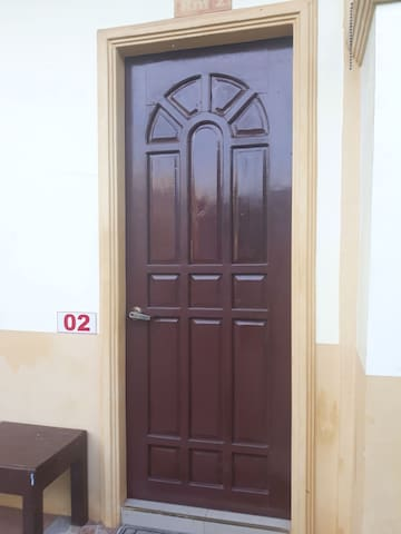 1018 Luxury Hometel Room 2