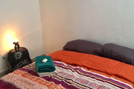 Comfortable bedroom, friendly atmosphere :) - Cancún