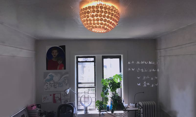 Family-Friendly, 2br, Tons of Light! Amazing find.