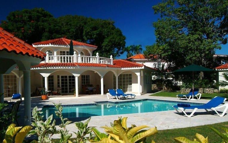 4 Bedroom Villa in Puerto Plata-Lifestyles Resort
