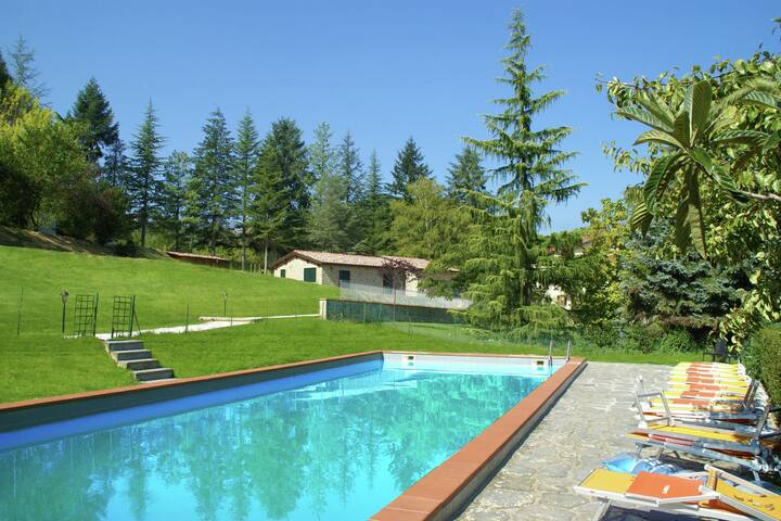 Scenic Home in Camporgiano with Swimming Pool