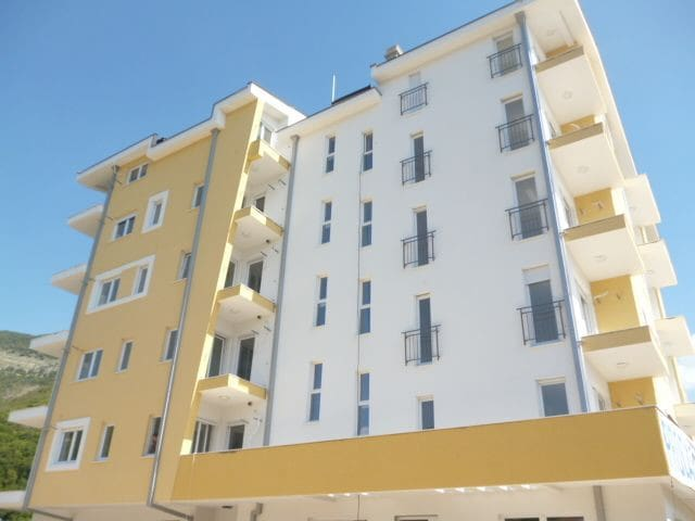 Modern and new building with parking places around.Contains elevator.Located in a centar of Bijela. Only 5 minutes walking to the sea and promenade.