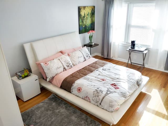 LOVELY PRIVATE ROOM IN GREAT AREA(1)