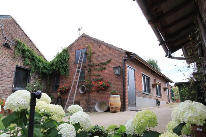"""Vakantiehuis De Pinkenstal  """"In-Bemelen"""""""