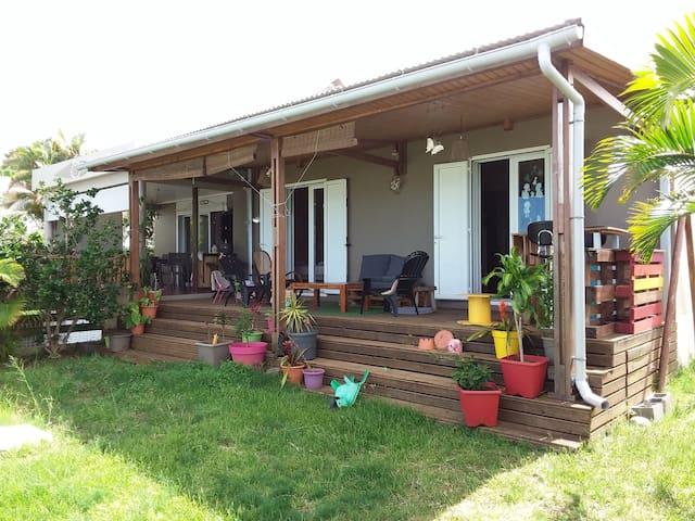 Agréable maison F4 à Petite ile