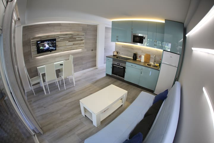Completely new renovated apartment with free WiFi