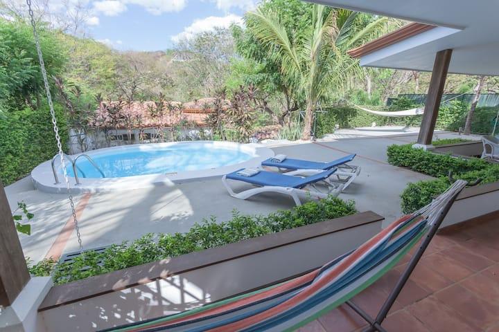 Private luxe villa with casita & pool in Isabella