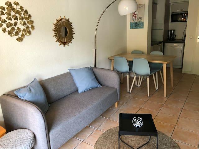 Le Palmier - Piscine - 2 chambres, calme + parking