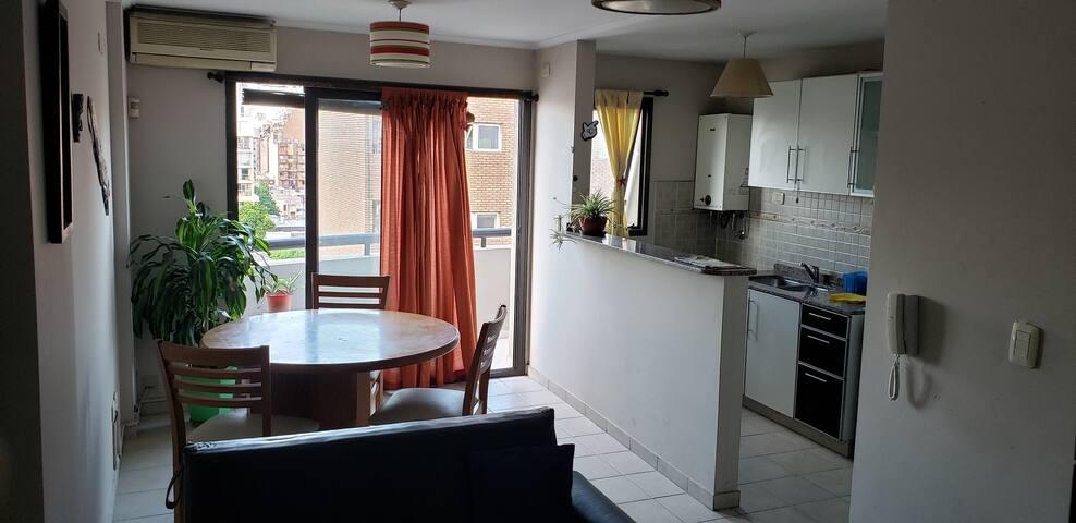 Bright and Quiet Apartment !!!