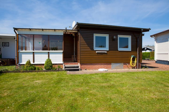 Cosy and sunny chalet at the water - Lemmer - Byt