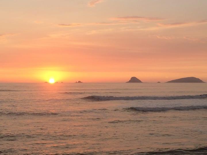Casa de Playa, Primera Fila! Frente al Mar!