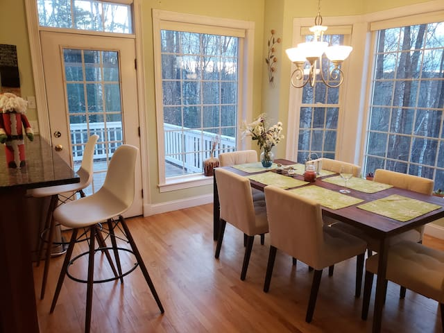 Windham Airbnb 1-4BR King or Queen / Special Offer