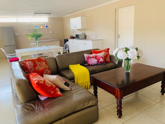 Farm style cottage, Located near Fourways